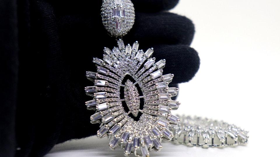 High quality American Diamond (Cubic Zircon) dangler with warranty
