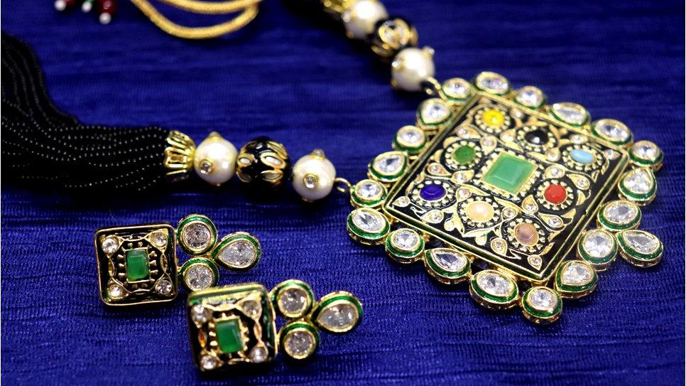 Precious Necklace studded with Kundan Stone, Hand-worked,Precious Stones
