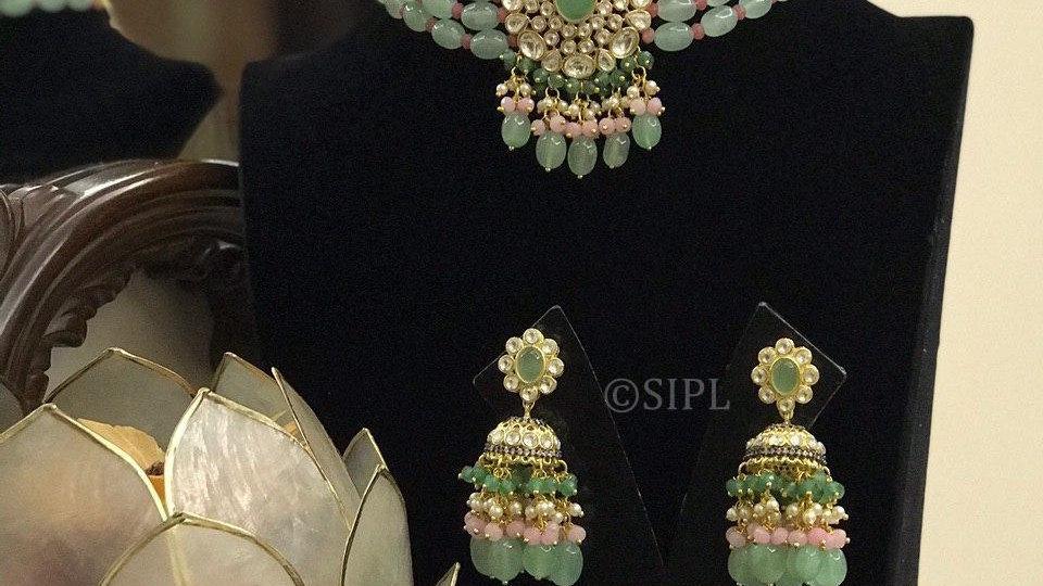 Beautiful Kundan Polki Necklace Set