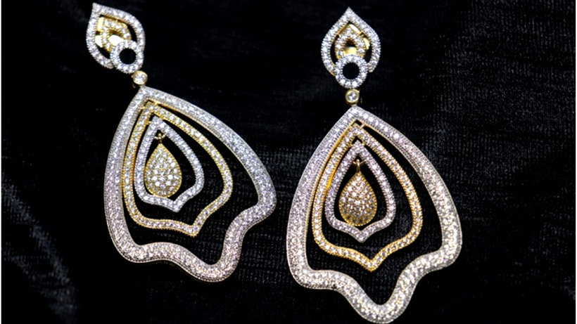 Stylish and awesome American Diamond Danglers with warranty