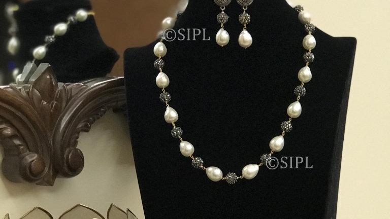 Exclusive Metallic Baroque Pearl Necklace