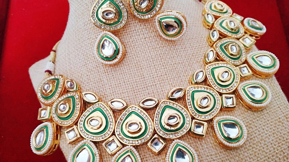 Green coloured Kundan Necklace set with warranty