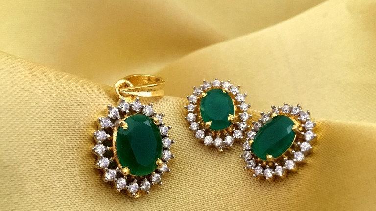 Stylish and elegant American Diamond Pendant set
