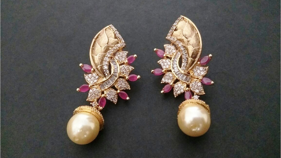 Buy this beautiful pair of Jhumka/Earring with an year warranty