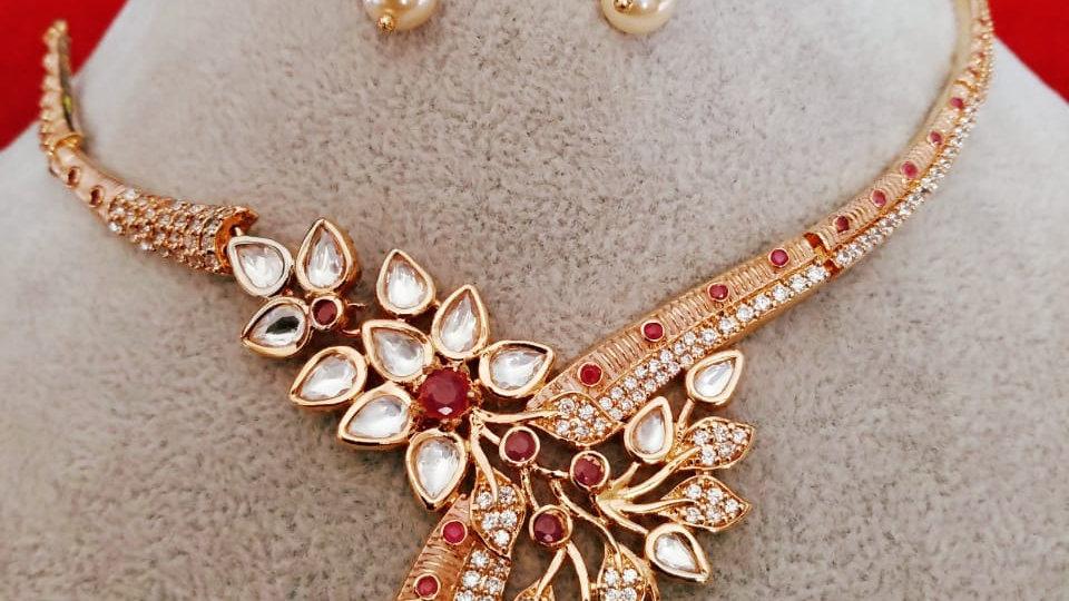 Stylish Kundan Necklace set with beautiful pair of earrings