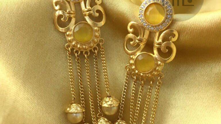 High class dangler, beautifully and elegantly designed