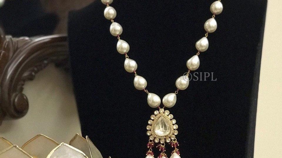 Amazing Design Gold Plated Kundan Polki Pendant Set with Natural Baroque Pearl