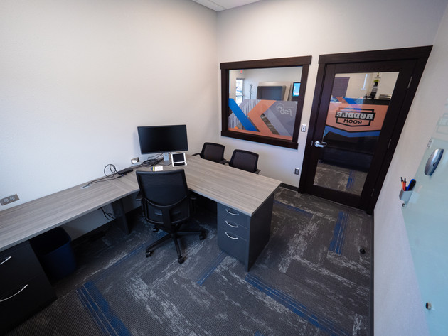Private Office & Huddle Room
