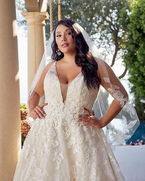 plus sized bride