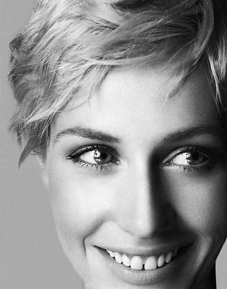 Cécile De France