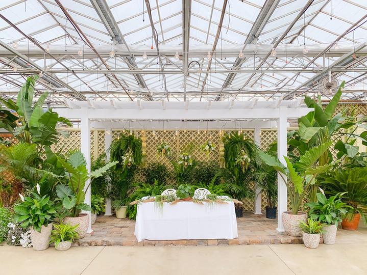 greenhouse-wedding-head-table-buchwalter