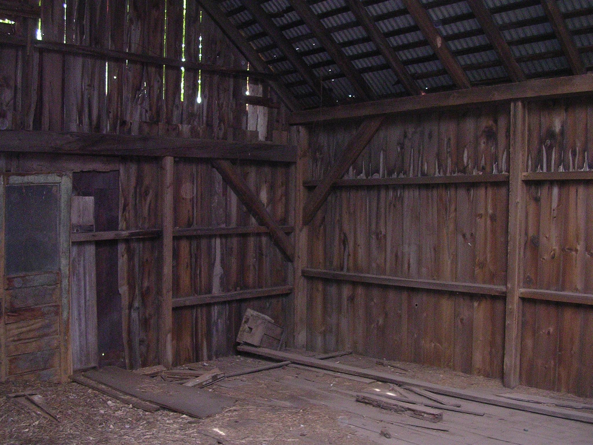 Franklin Barn. 26' x 32'