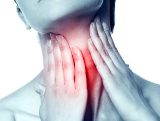 Como tratar un dolor de garganta
