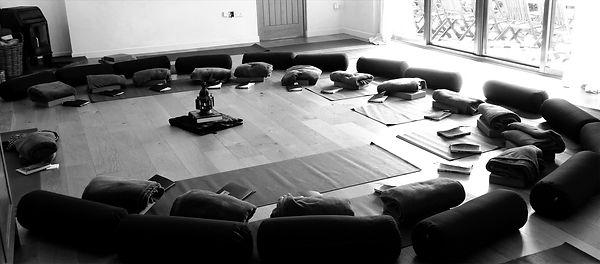 yoga%20mats_edited.jpg