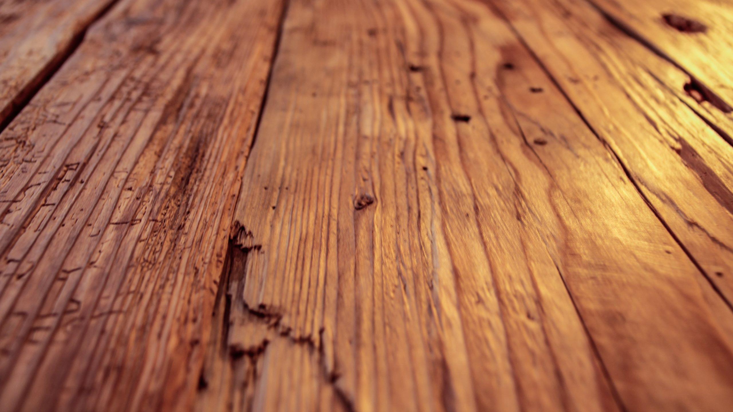 altholz-gehackte-seitenbretter-1