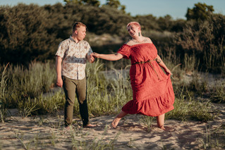 Erik & Chelsea : Engaged by the Sea