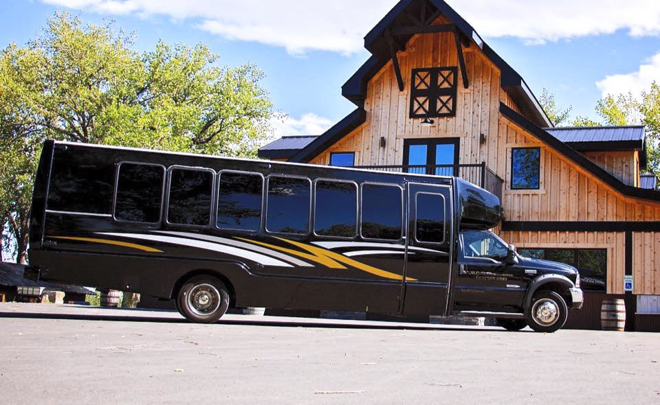 Party-Bus-Exterior-6_edited_edited.jpg