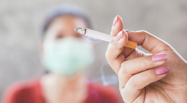 Riscos da relação entre tabagismo, narguillé e coronavírus