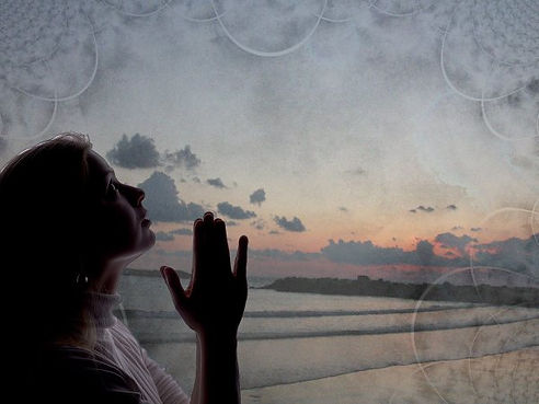 pray_women_left_gray.jpg