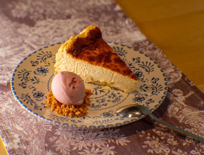 Tarta de Queso con helado de Fresas.jpg