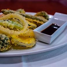 Tempura de Verduras con Sésamo Negro y Salsa de Soja (opción vegana).