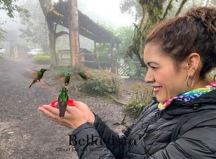 Sra con colibri-min.jpg