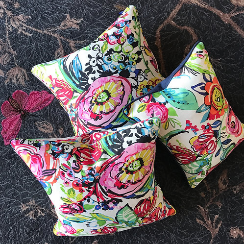 FLOWER POWER CUSHIONS