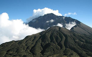mt-meru-trek.jpg