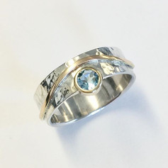 Silver & 9ct gold and aquamarine offset ring