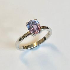 Lilca Sapphire in platinum