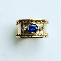 Ceylon sapphire and diamond ring with rope twist