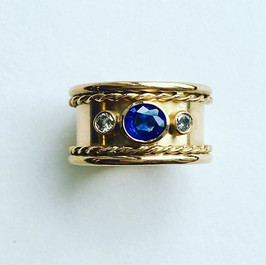 Ceylon sapphire and diamond ring with rope twist