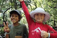 夏休み英語キャンプ_外国人の子どもの笑顔の写真
