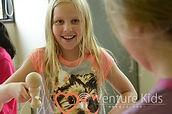 夏休み英語キャンプ_外国人の子どもと一緒に遊ぶ。