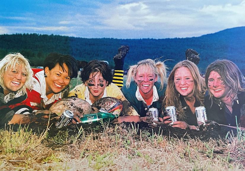 Ladysharks2003_edited.jpg