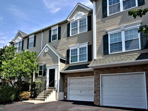 107 Green View Court, Plymouth Meeting, With Golf Course Views - Connie Brady RE/MAX Central