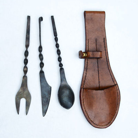 Medieval Cutlery Set with Wearable Leather Pouch - AH3345