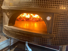 the_ivy_house_pizz_Oven.jpg
