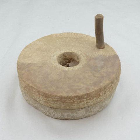 AH391C Quern Stone Grinder (Chakki)