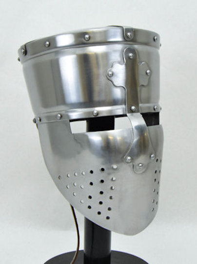 AH6110_18 Templar Crusader pot Helm 18 gauge