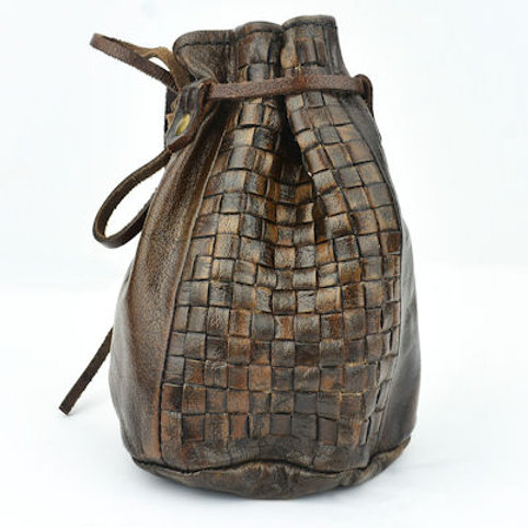 AH6193 Viking Woven leather coin purse