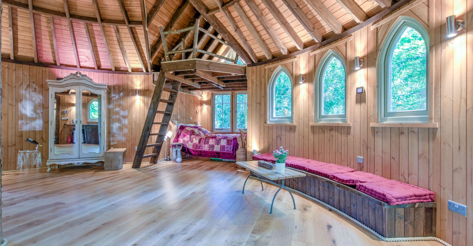 Mezzanine with 2 mattresses above bedroom nook