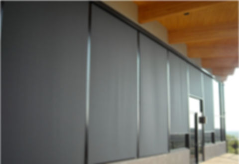 solution-screens-exterior-commercial-pho
