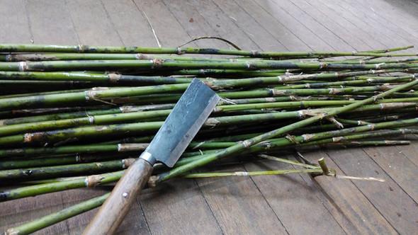竹とナタ.jpg