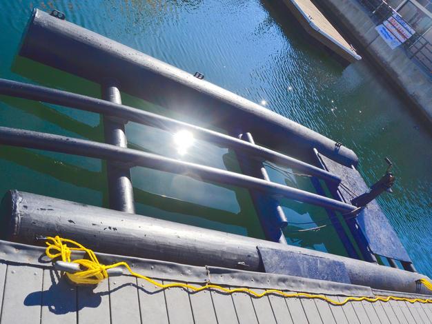 Ultra Dock USA Carafino