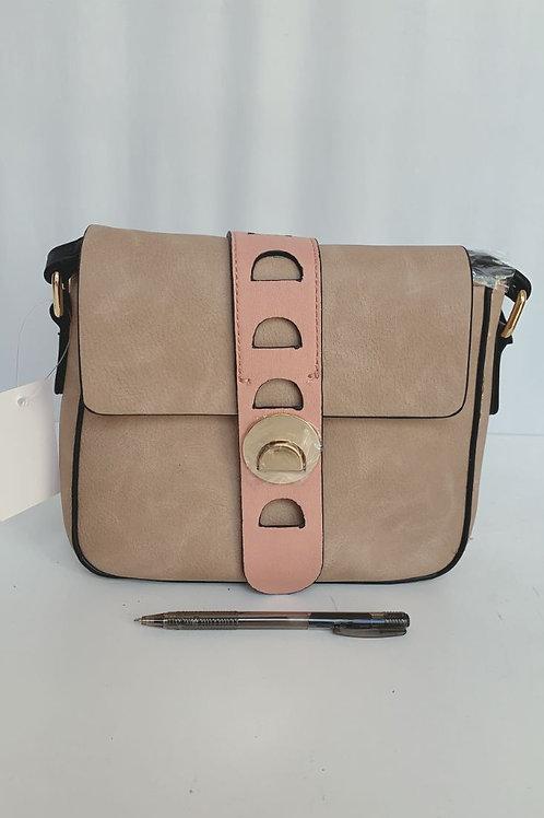 032 Handbag $9.00 Each