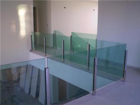 guarda-corpo-de-vidro-1.jpg