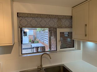 roller_blind_with_valance