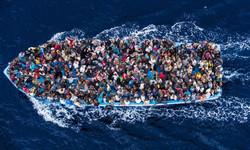 Africans-crossing-the-Mediterranean[1]