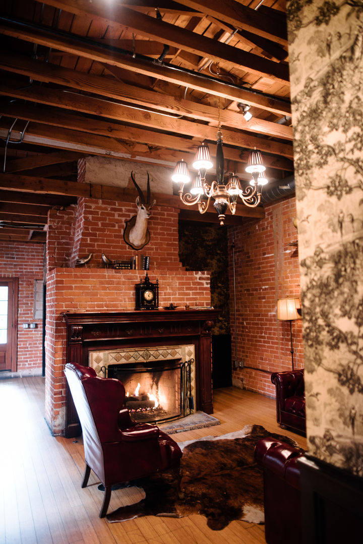 CH Fireplace 5.jpg